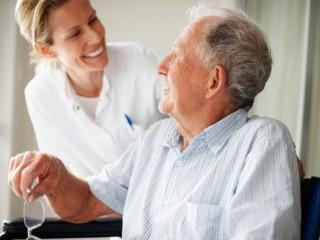 Auxiliar de Enfermería en Geriatría