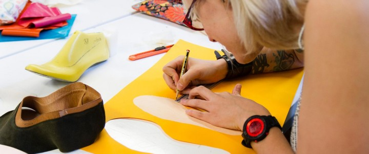 Curso gratis Superior de Diseño de Calzado y Bolsos online para trabajadores y empresas