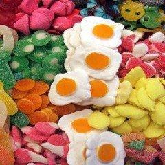 Manipulador de alimentos para la venta en quioscos de chucherías, helados, fritos y vending