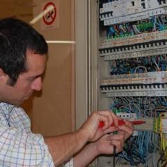 Montaje y mantenimiento de instalaciones eléctricas de baja tensión en edificios de viviendas. ELEE0109 - Montaje y mantenimiento de instalaciones eléctricas de baja tensión