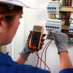Electricista en edificios