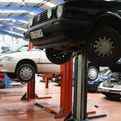 Experto en Mecánica de Dirección, Suspensión y Frenos ABS